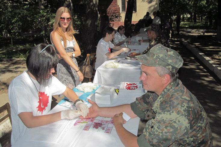 Зростання захворюваності на гепатит та ВІЛ/СНІД серед військовослужбовців – це питання національної безпеки