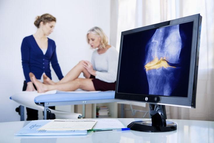 Применение комбинации хондроитинсульфата и глюкозамина гидрохлорида при болевом синдроме у пациентов с остеоартритом коленного сустава
