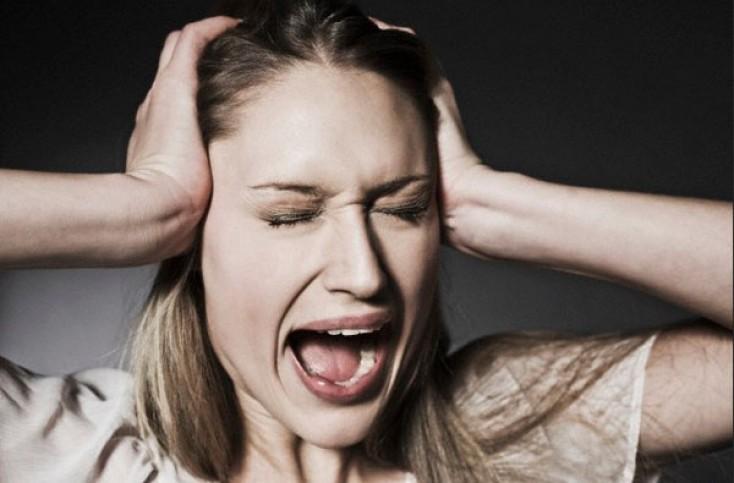 Клинический случай острого психоза у 37-летней женщины: кто виноват?